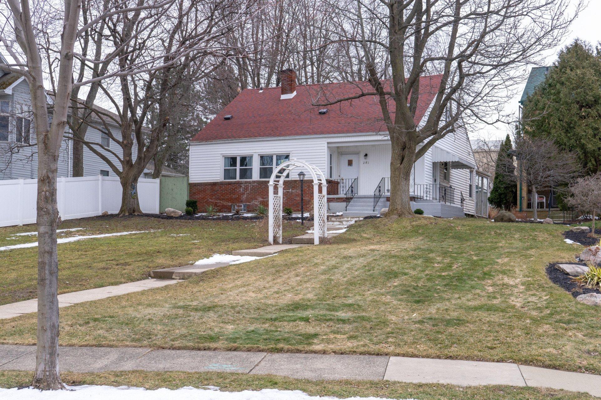 281 Crosby Blvd, Amherst NY 14226 - Arcane Properties